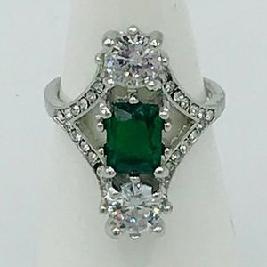 FAUX EMERALD & DIAMOND COCKTAIL RING